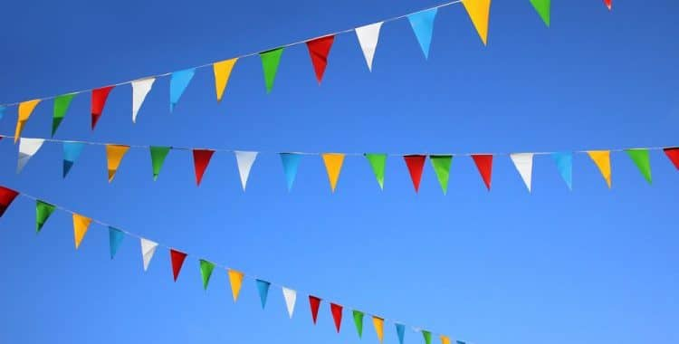 How Much Bunting Do I Need For a Marquee
