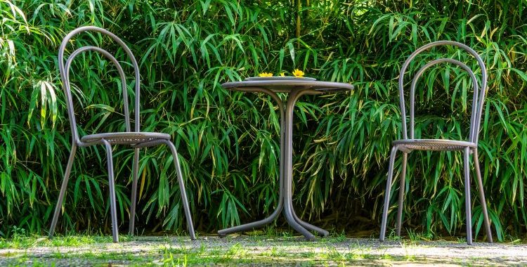 cast aluminum chairs and tables