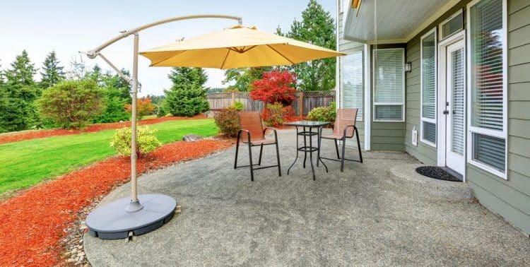 Do concrete patios need rebar?
