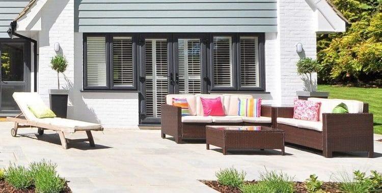 Can vinyl patio doors be painted?
