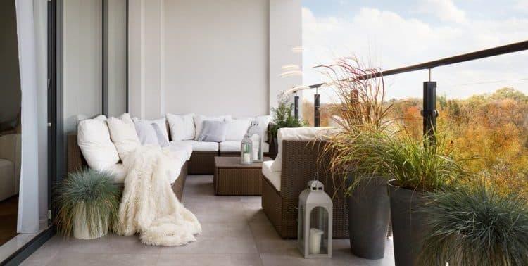 Are Garden Corner Sofas Out of Fashion?