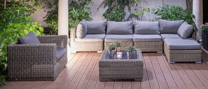 Are Patio Corner Sofas Out of Fashion?