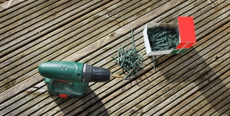 Why Are My Decking Screws Snapping? (Quick Answer)