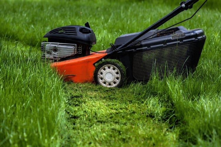 Lawn mower mulching